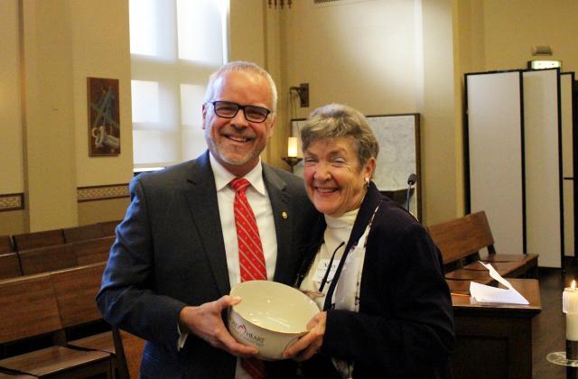 Head of Schools Nat Wilburn and Nancy Kehoe, RSCJ, PhD ASH'55